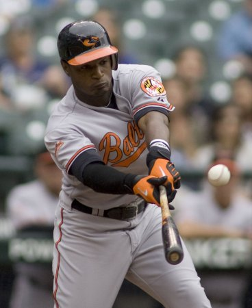 Jones, Bergesen go on Orioles' DL