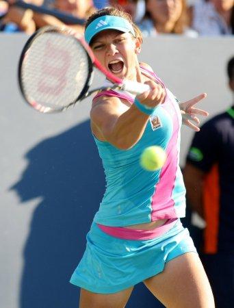 Flipkens, Halep advance to WTA final in the Netherlands