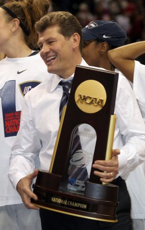 UConn's Auriemma to coach U.S. women