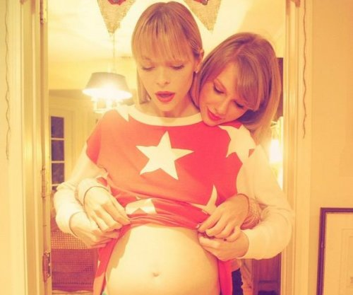 Jaime King names Taylor Swift godmother to her second child