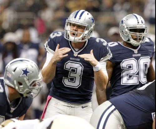 Texans claim QB Brandon Weeden