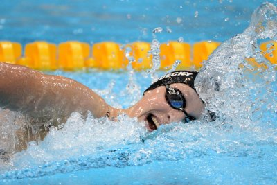 2016 Rio Olympics: Katie Ledecky leads qualifiers at U.S. swim trials