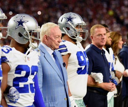 Dallas Cowboys owner Jerry Jones scripted team's national anthem demonstration