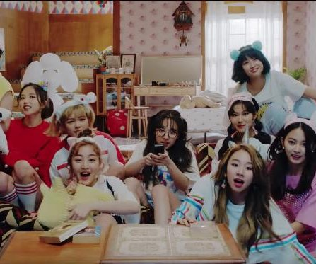 Twice releases 'What is Love?' EP, music video