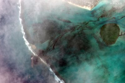 Mauritius declares state of emergency as wrecked ship leaks oil into ocean
