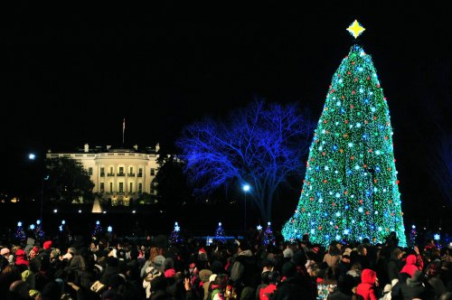 Obamas light National Christmas Tree