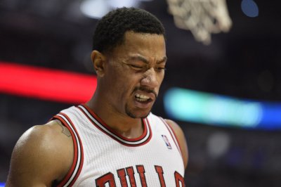 Bulls' Derrick Rose needs knee surgery, out indefinitely