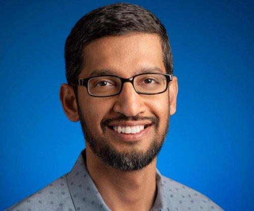 Google CEO, Glenn Beck back Apple in cellphone 'back door' fight