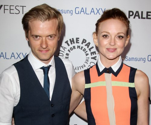 'Glee' star Jayma Mays pregnant with first child