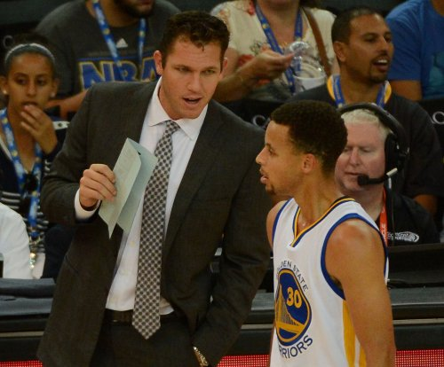 Golden State Warriors give Luke Walton the go-ahead to speak with Los Angeles Lakers