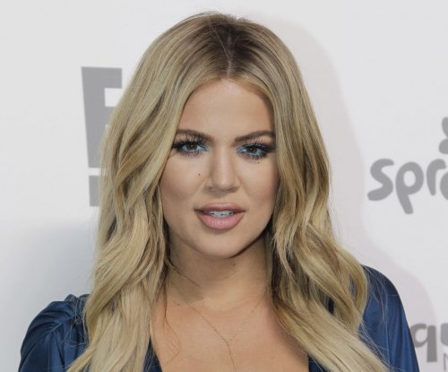 Khloe Kardashian, Rob Kardashian reunite in rare photo