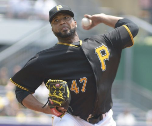 Toronto Blue Jays acquire Francisco Liriano, Scott Feldman, Mike Bolsinger