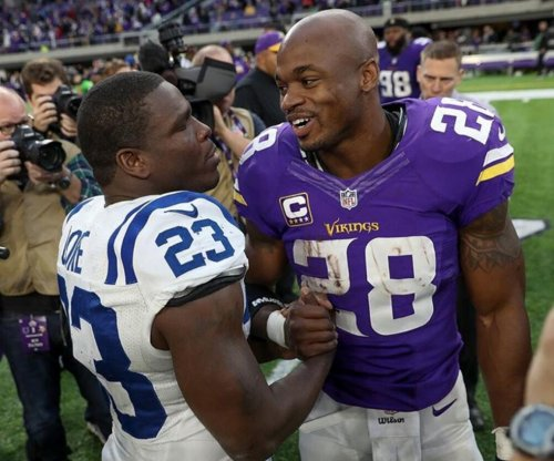 Running back Adrian Peterson not likely to get new contract in April