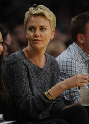 Charlize Theron, Sean Penn spend holidays in Hawaii