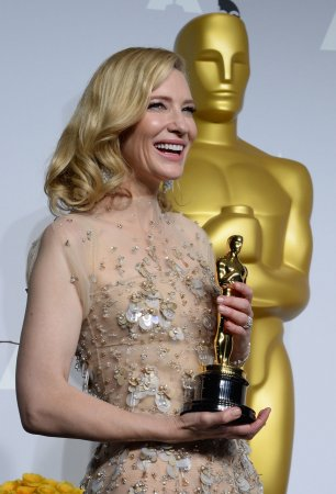 Cate Blanchett confesses she slept with her Oscar