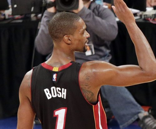 Chris Bosh scores 34, leads Miami Heat over Los Angeles Clippers
