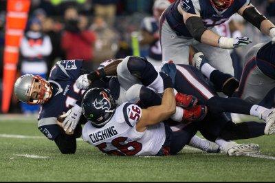 Houston Texans LB Brian Cushing calls shoulder surgery 'clean up'