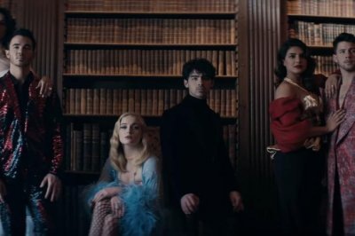 The Jonas Brothers perform for their spouses in 'Sucker' video