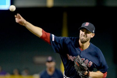 Red Sox pitcher Rick Porcello flings cooler in loss to Diamondbacks