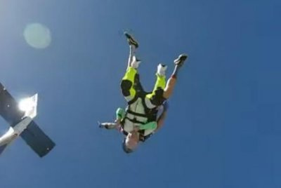 103-year-old becomes world's oldest tandem skydiver