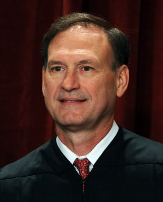 Alito: Broadcast TV a dinosaur like LPs
