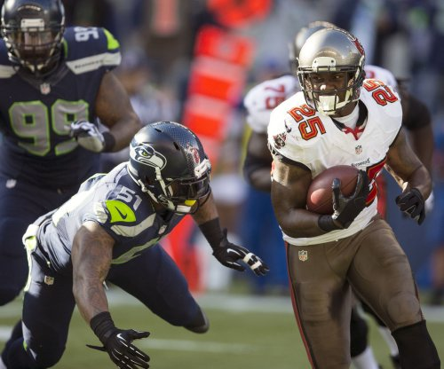 Detroit Lions add RB Mike James to practice squad