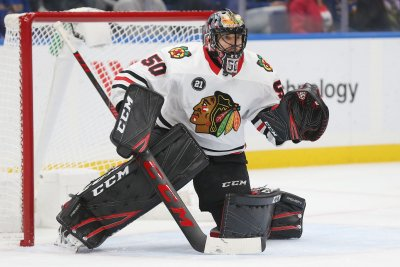 Blackhawks aim to continue momentum vs. skidding Wild