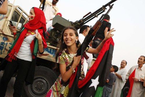 Cameron, Sarkozy pledge support for Libyan rebels