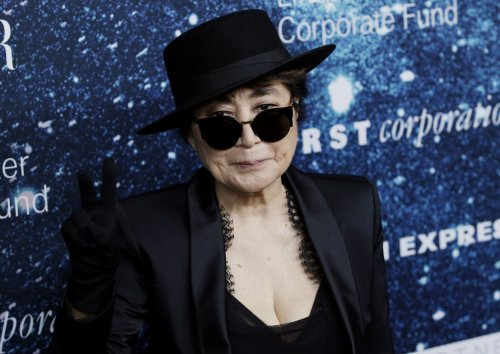 Yoko Ono teams up with The Flamming Lips for Christmas song