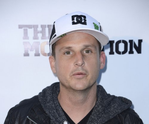 A genie in a bottle helps Rob Dyrdek propose to girlfriend
