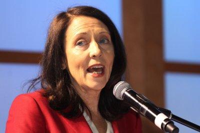 Senate Democrats unveil ambitious energy bill