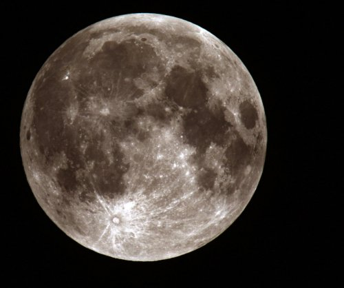 Moon's tidal force affects rainfall