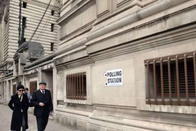 British election: Early poll data indicates 'hung parliament'