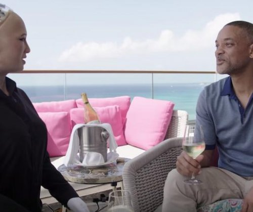 Will Smith goes on a date with Sophia the Robot