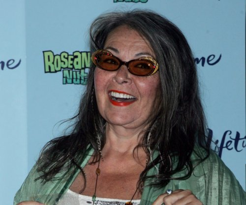 Roseanne Barr says she thought Valerie Jarrett was white in new video
