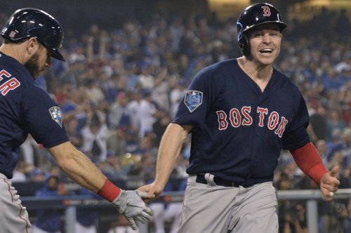 Brewers to sign free agent utility player Brock Holt