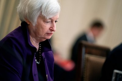 Yellen tells Congress U.S. gov't still operating at money levels designed for 2010