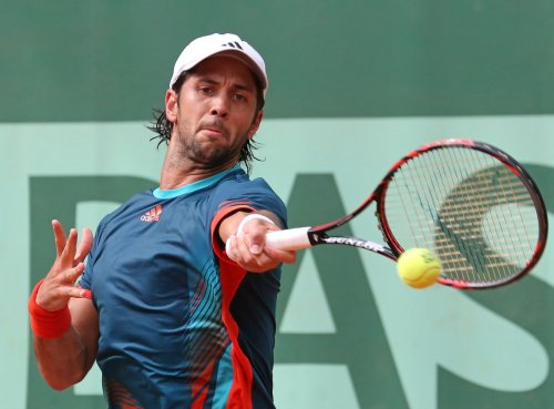 Verdasco takes three-setter in Bangkok