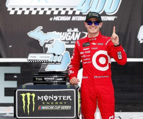 2017 Pure Michigan 400 results: Kyle Larson edges Martin Truex Jr. to win in Michigan