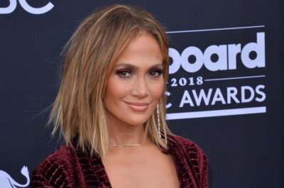 Jennifer Lopez, Paris Hilton support Demi Lovato following health update
