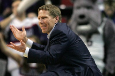 High-scoring No. 3 Gonzaga hosts Texas A&M