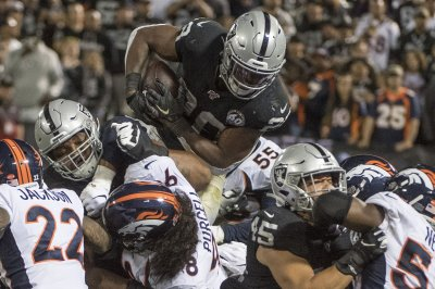 Derek Carr, Josh Jacobs lead Raiders over Broncos in season opener