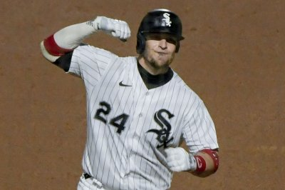 White Sox hit six homers, power past Twins