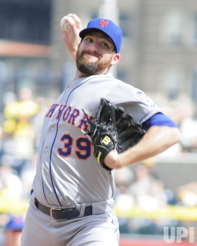 Mets Relief Pitcher Bobby Parnell in Pittsburgh