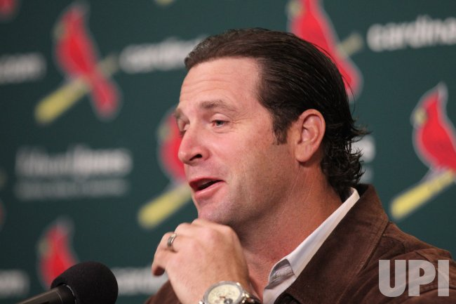 St. Louis Cardinals manager Mike Matheny meets with reporters to discuss season wrap up