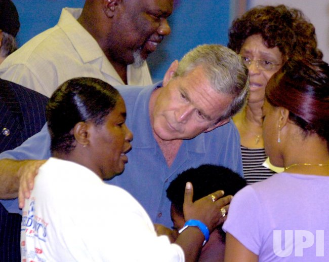 BUSH VISITS KATRINA EVACUEES