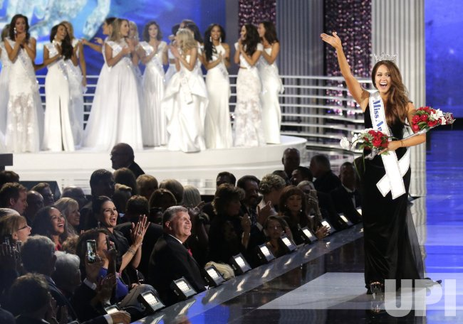 Miss North Dakota Cara Mund wins Miss America