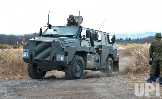 1998 Bushmaster MRAP Cat-II military 4x4 truck trucks weapon ...