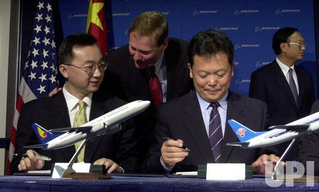 Chinese Airlines Agree to Buy 30 Boeing 737s