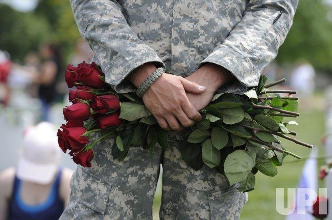 President Obama visits Arlington National Cemetery on Memorial Day